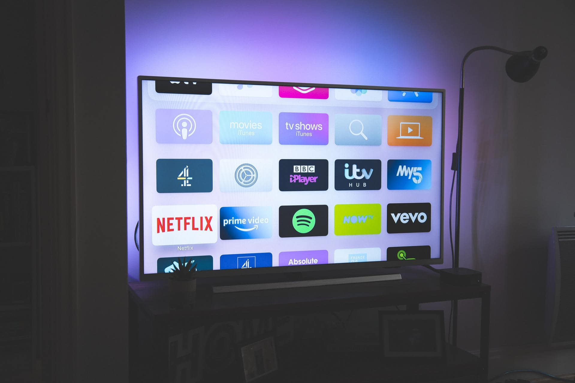 Top 4 Live TV Streaming Services: Cord-Cutters Guide